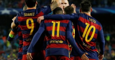 Football Soccer - FC Barcelona v Arsenal - UEFA Champions League Round of 16 Second Leg - The Nou Camp, Barcelona, Spain - 16/3/16 Neymar celebrates scoring the first goal for Barcelona with Lionel Messi and Luis Suarez Reuters / Albert Gea