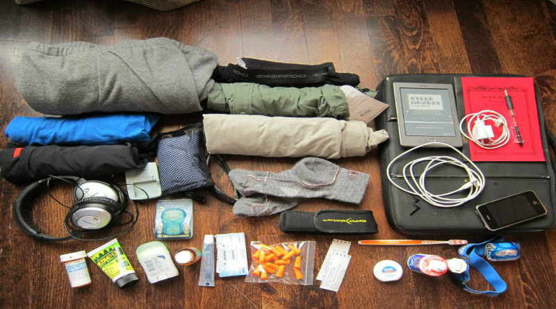 How to travel ultralight