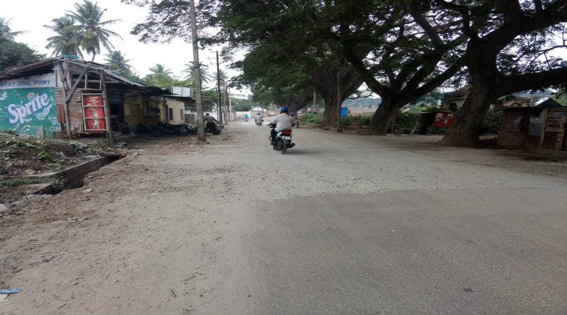 Damped and dusted roads 1