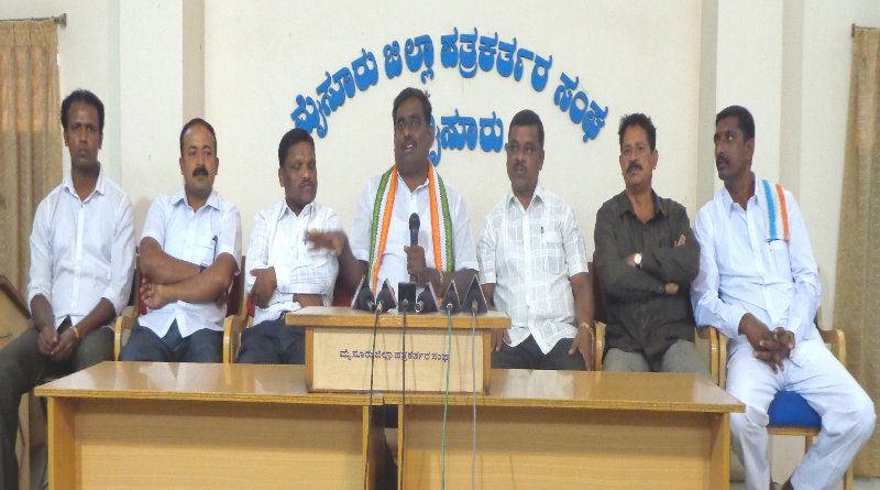 Aggrieved workers slam CM Siddaramaiah; launch 'Save Congress' camapaign