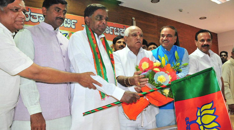Shrinivas-Prasad-joins-bjp-jan2