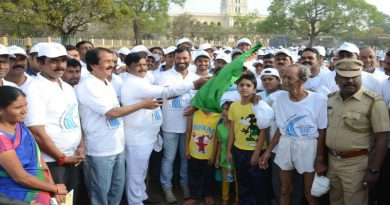 Youth in hundreds take part in 'Road safety' rally; Minister pooh-poohs rift in state Cong