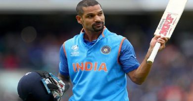 LONDON, ENGLAND - JUNE 08:  Shikhar Dhawan of India reacts to the crowd as he leaves the field after being dismissed during the ICC Champions trophy cricket match between India and Sri Lanka at The Oval in London on June 8, 2017  (Photo by Clive Rose/Getty Images)