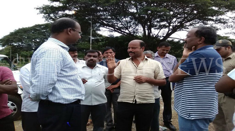DC Randeep inspects rain affected Paduvarahalli; directs officials to speed up work