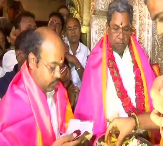 'I will abide by High Command decision,' says Siddaramaiah